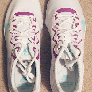 Nike Women's Explore Strada Running Sneakers Size9